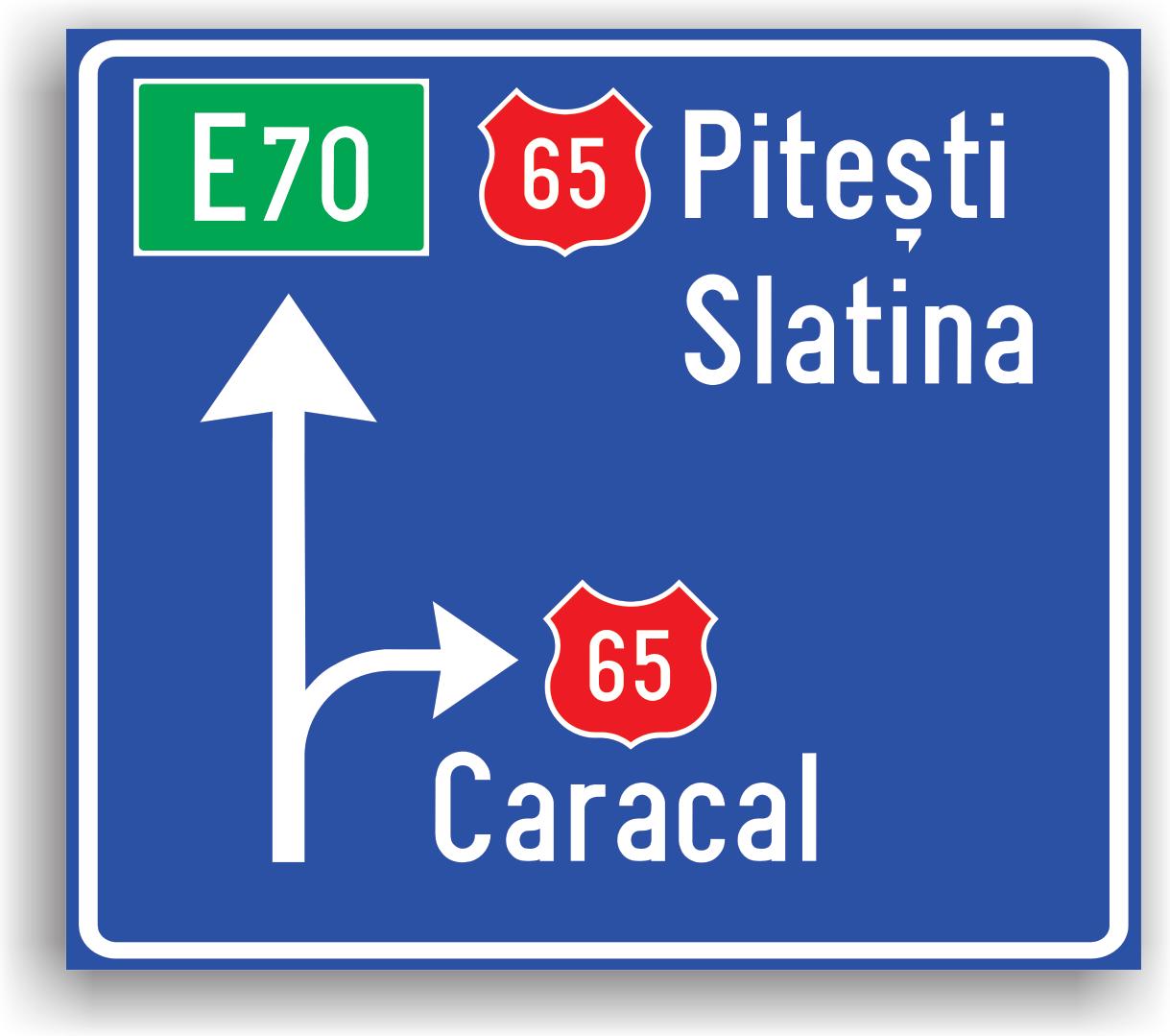 Presemnalizarea directiilor la o intersectie de drumuri din afara localitatii